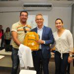 Prefeitura de São Cristóvão entrega 150 kits com fardamentos para Agentes Comunitários de Saúde