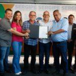 Belivaldo assina ordem de serviço para reforma do Estádio Estadual Adolfo Rollemberg