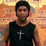 Ronaldinho vira réu em ação coletiva que pede R$ 300 milhões por pirâmide