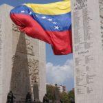 Com 3 novos casos, Venezuela restringe voos nacionais e internacionais